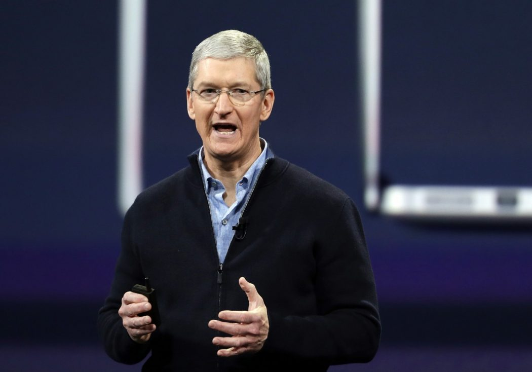 Apple_CEO-Philanthropy-06b30 Top 10 Graduation Speeches That Will Motivate You