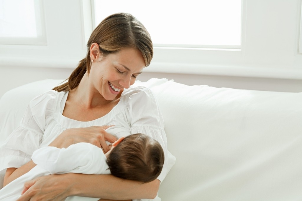 Breastfeeding1 9 Simple Tips to Stop Gaining Weight after Pregnancy