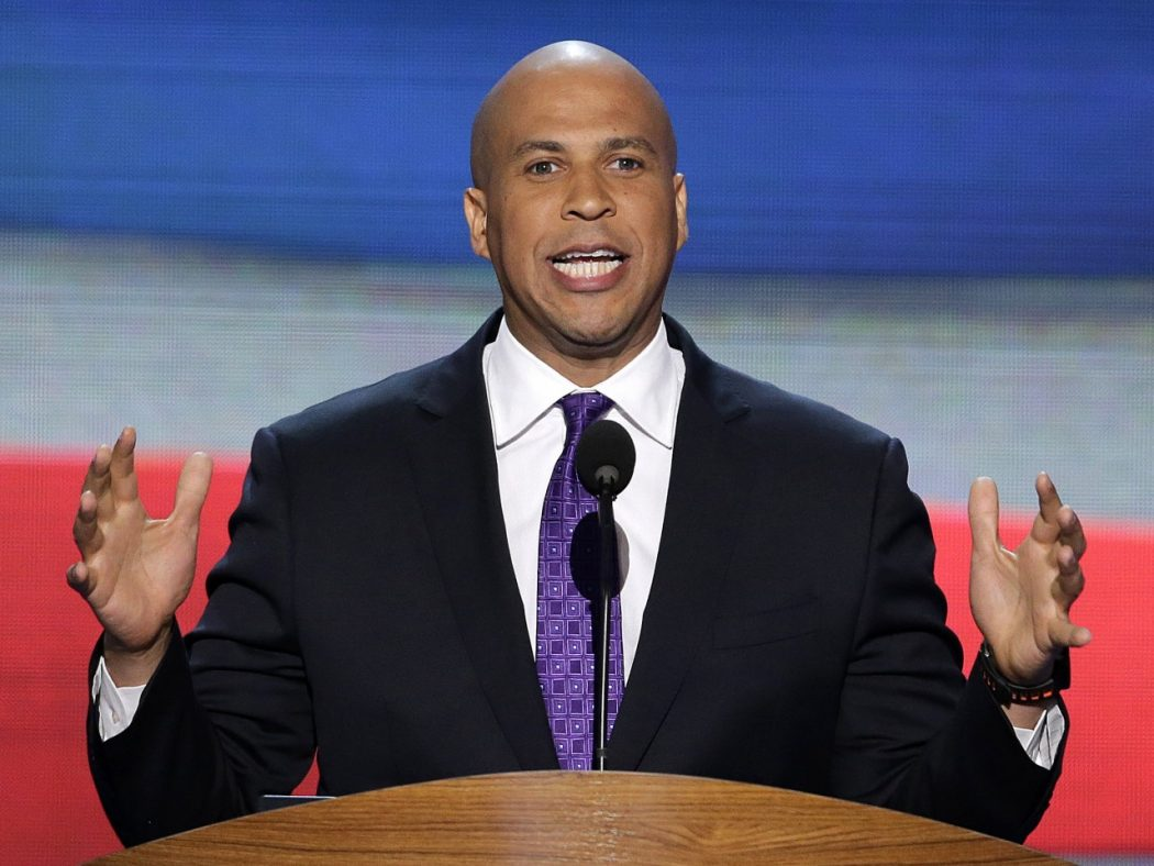 cory-booker-newark-mayor-hollywood-party-for-senate-2013-the-jasmine-brand Top 10 Graduation Speeches That Will Motivate You