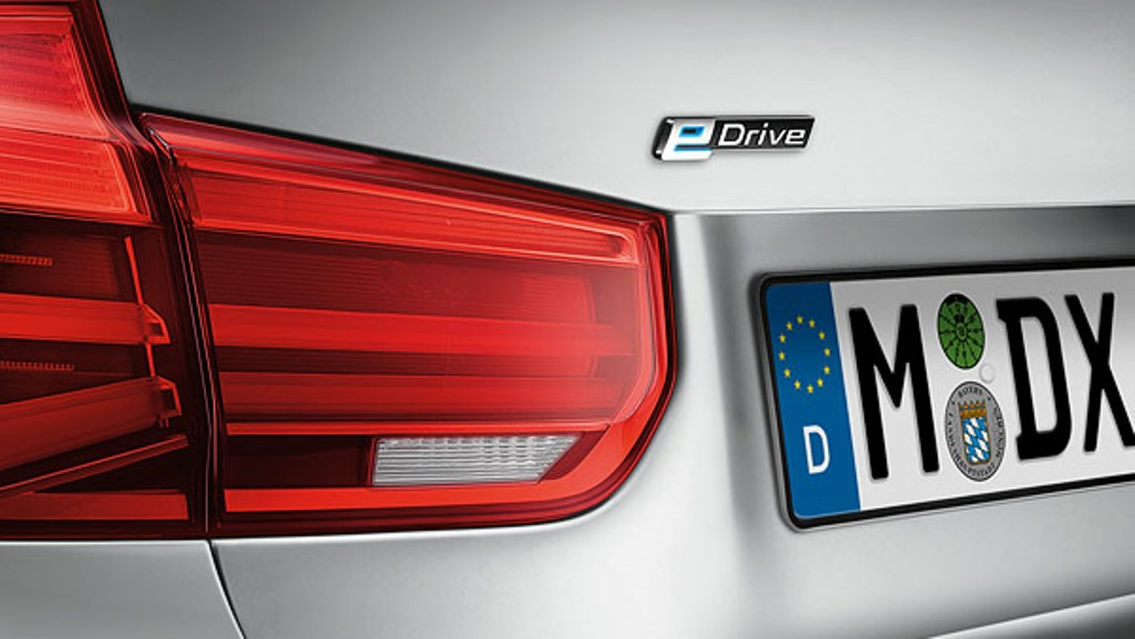 BMW-330e-Sedan-3 Exclusive: Extra 2 New Models to BMW 3 Series