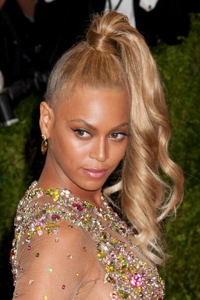 Beyoncé-with-her-super-high-ponytail The Worst Celebrity Hairstyles in 2015