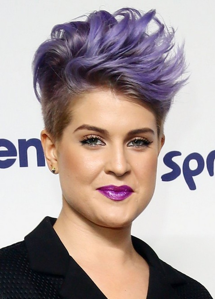 Kelly1 15 Worst Celebrity Hairstyles ... [You Will Be Shocked]