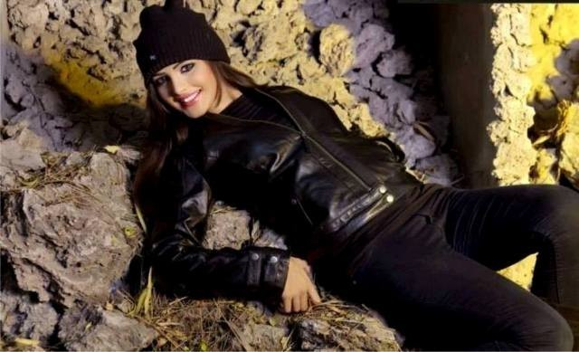 Leather-Jackets-for-Women-in-2016 11 Tips on Mixing Antique and Modern Décor Styles
