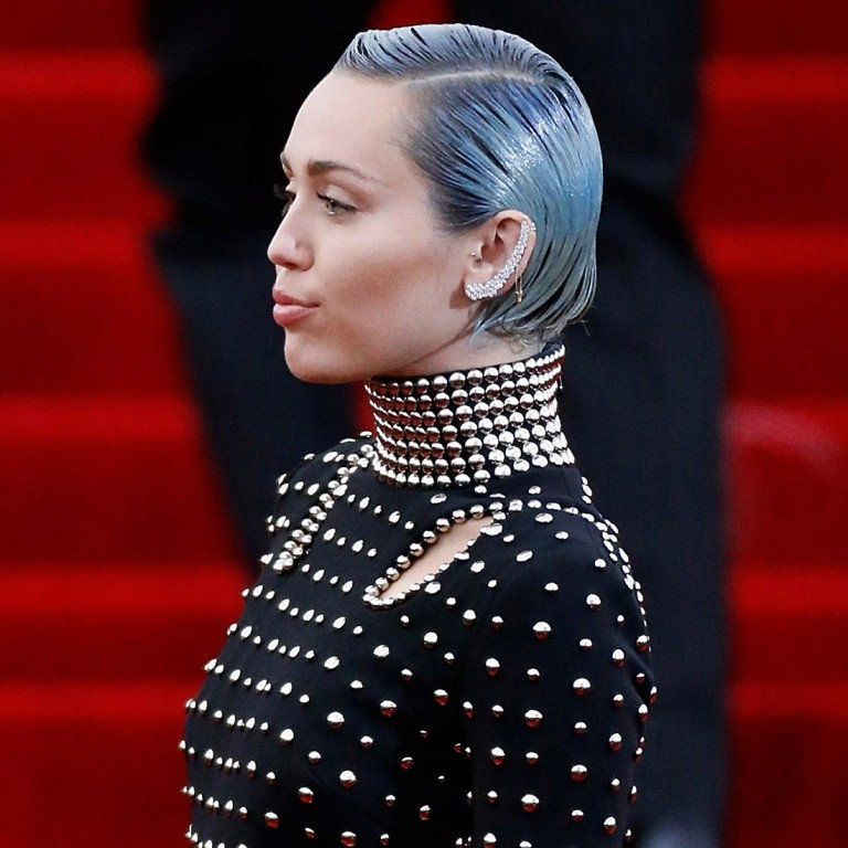 Miley-Cyrus. 15 Worst Celebrity Hairstyles ... [You Will Be Shocked]