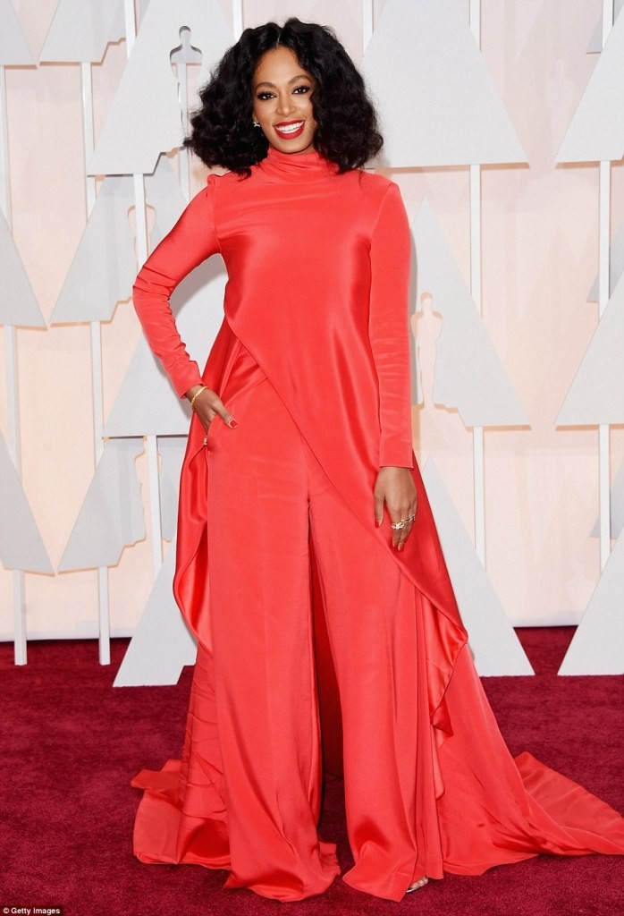 Solange-Knowles-curly-hairstyle 15 Worst Celebrity Hairstyles ... [You Will Be Shocked]