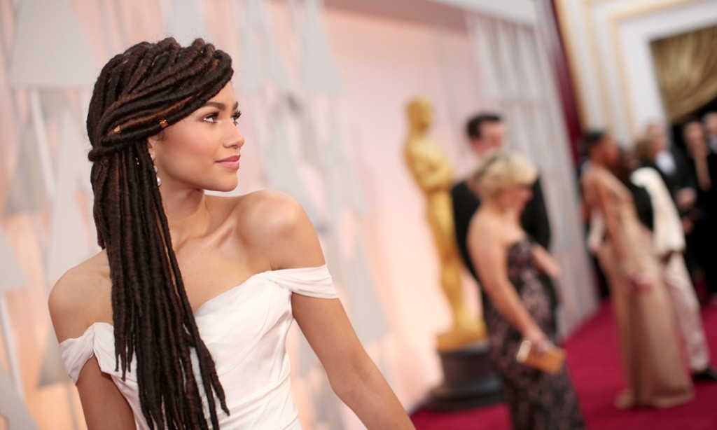 Zendaya-dreadlocks 15 Worst Celebrity Hairstyles ... [You Will Be Shocked]