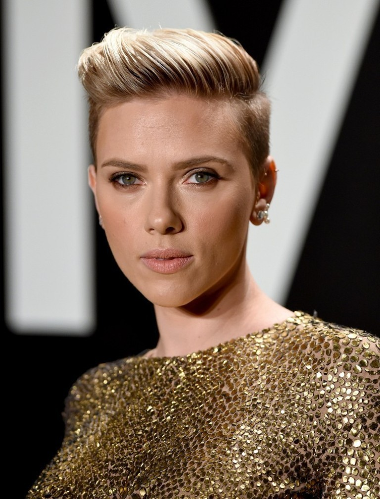 scarlett-1 15 Worst Celebrity Hairstyles ... [You Will Be Shocked]