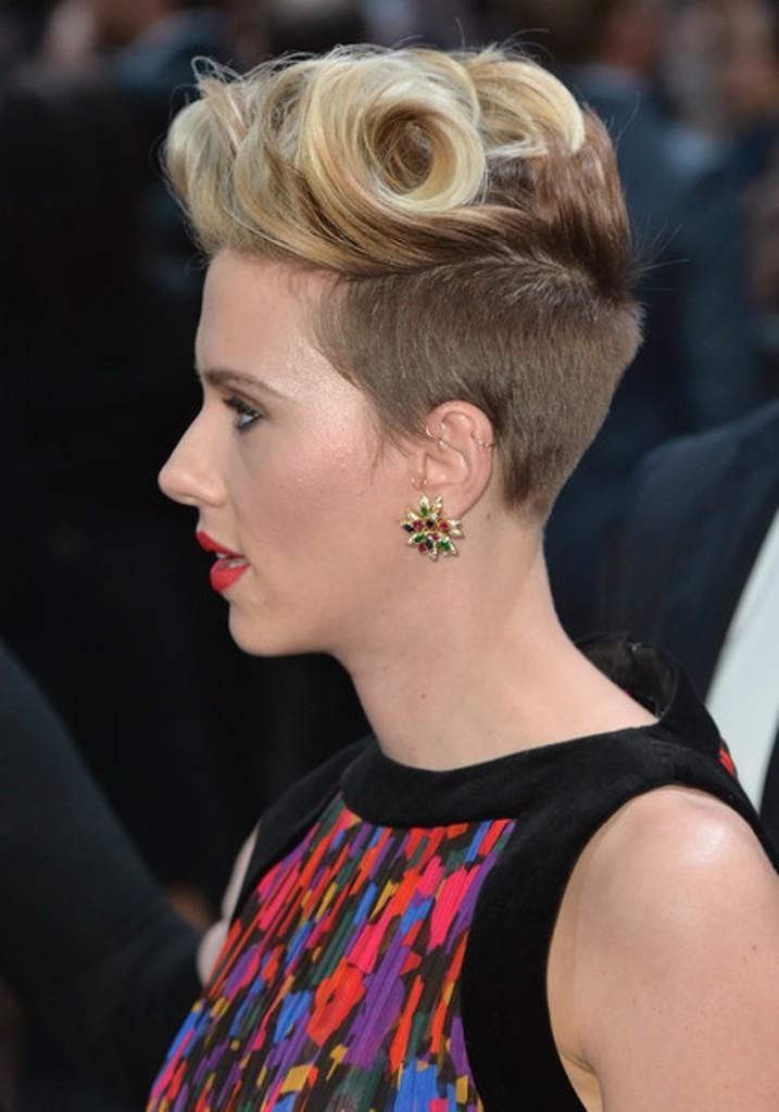 scarlett.. The Worst Celebrity Hairstyles in 2015