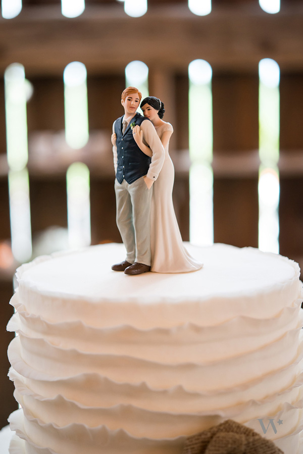 2015-wedding-theme-ideas-22 Top 10 Most Unique and Funny Wedding Cake Toppers 2017