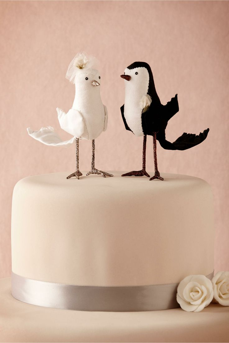 3f0f970d5423c3a7d39f89f0a0f0a7e8 Top 10 Most Unique and Funny Wedding Cake Toppers 2017