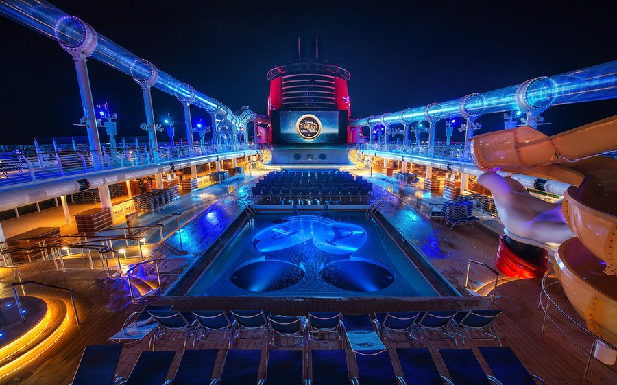 Fantasy-Pool Top 10 Best Carnival Cruises in 2017
