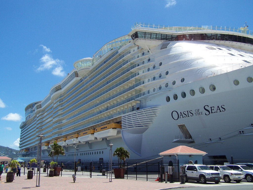 Oasis_of_the_Seas_docked_at_St._Thomas_pier Top 10 Best Carnival Cruises That You Must Check...