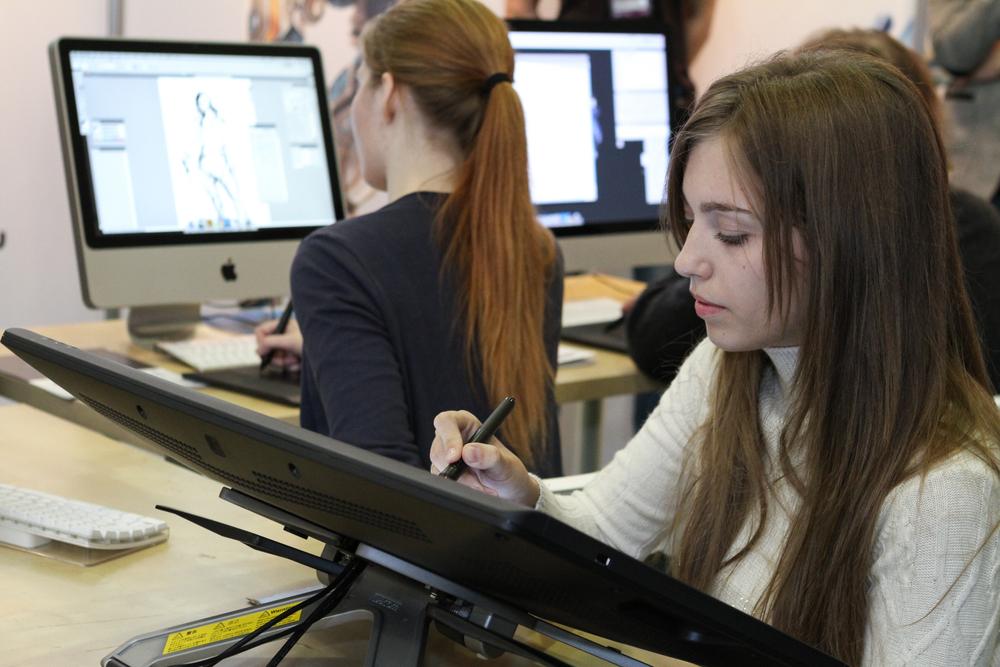 Women-Game-Design Top 10 Best Jobs for Women in 2018-2019