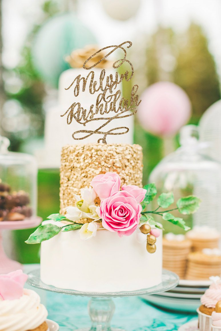 sparkly-cake-topper Top 10 Most Unique and Funny Wedding Cake Toppers 2019