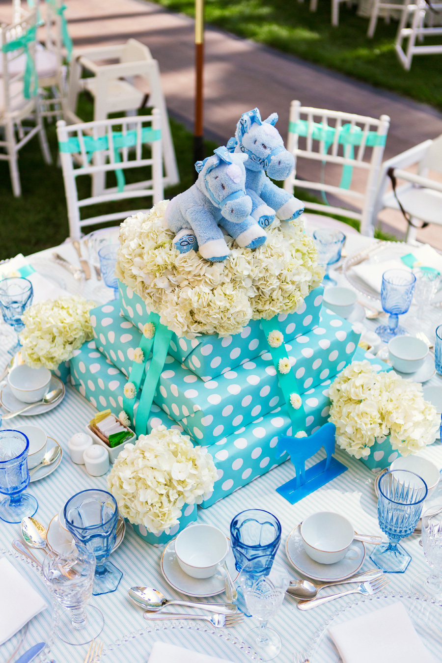 twins-birthday-party-centerpiece-idea Top 10 Most Unique and Funny Wedding Cake Toppers 2019