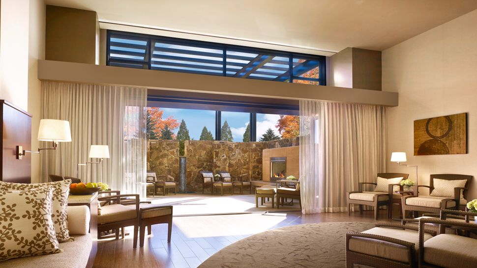007927-11-spa-co-ed-lounge Top 10 Best Hotels in USA You Can Stay in