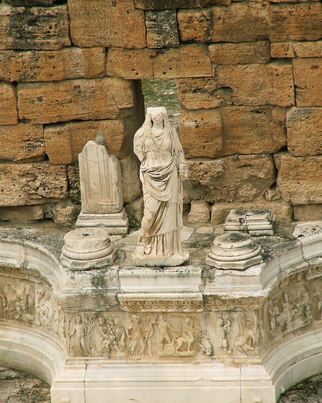 0094-Pamukkale-Hierapolis-Theatre-Statue Top 10 Most Ancient Ruins in Turkey