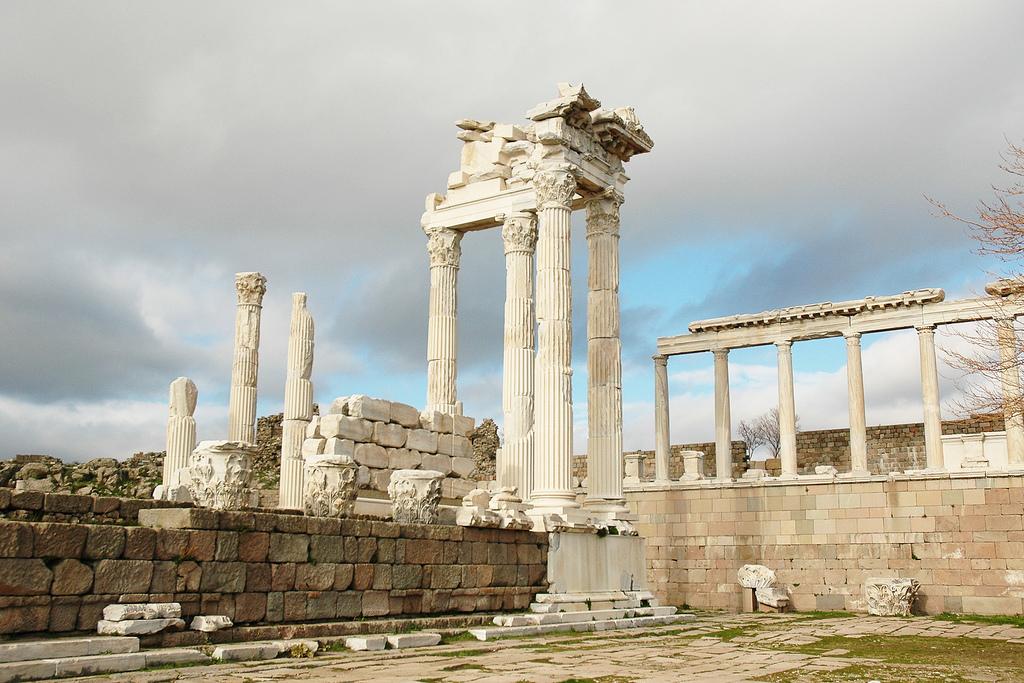 2205635643_72645f5082_b Top 10 Most Ancient Ruins in Turkey
