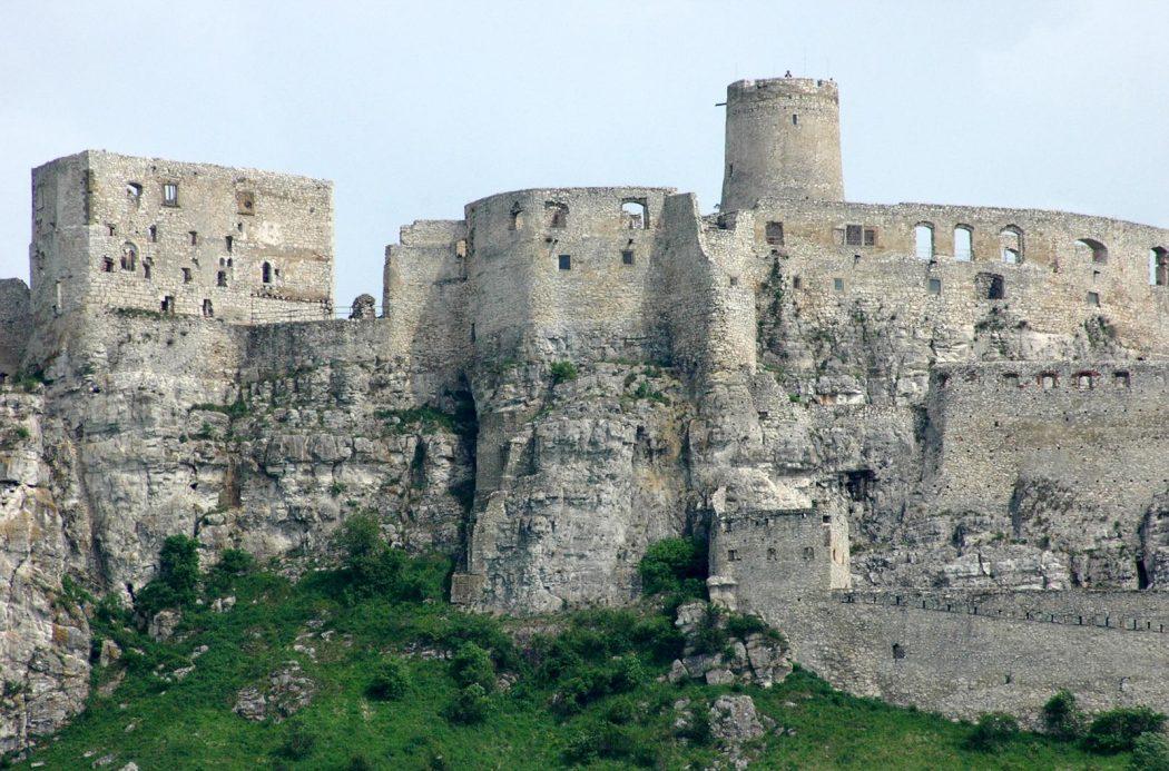 4-jpg Top 10 Biggest Castles in History