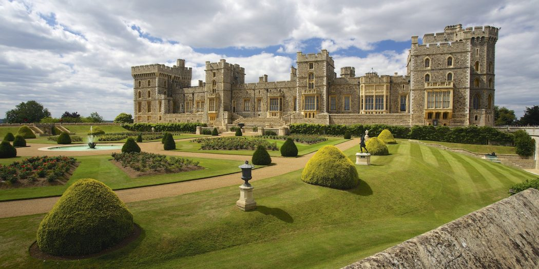 5.-Windsor-Castle-2500x1250 Top 10 Biggest Castles in History