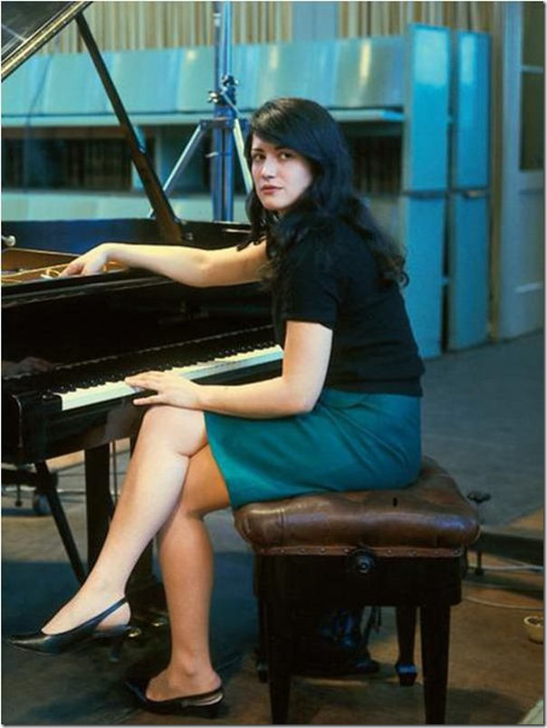 87946725_large_4000491_MARTA_4_thumb Top 10 Best Pianists Alive
