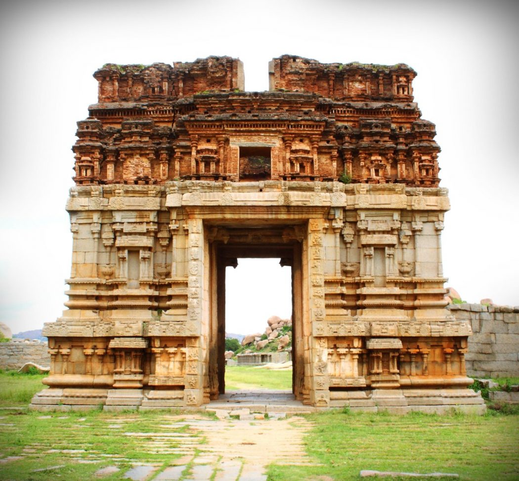 Achyutha-rayas-temple-at-hampi Top 10 Most Ancient India Artifacts Ever