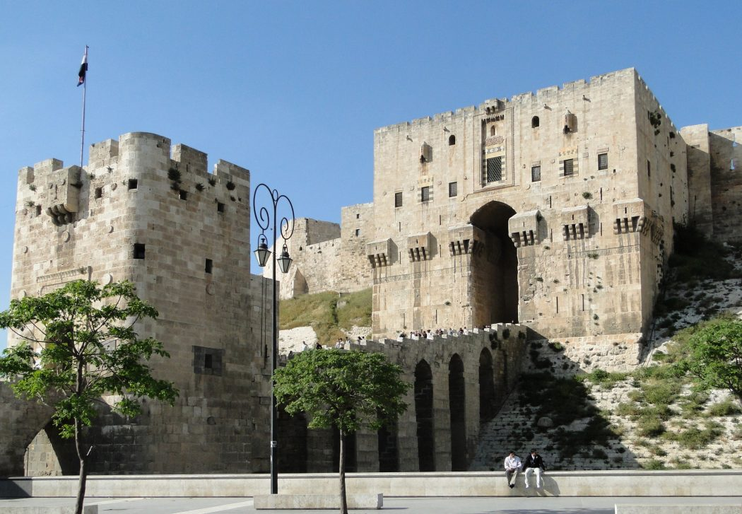 Aleppo_Citadel_04 Top 10 Biggest Castles in History