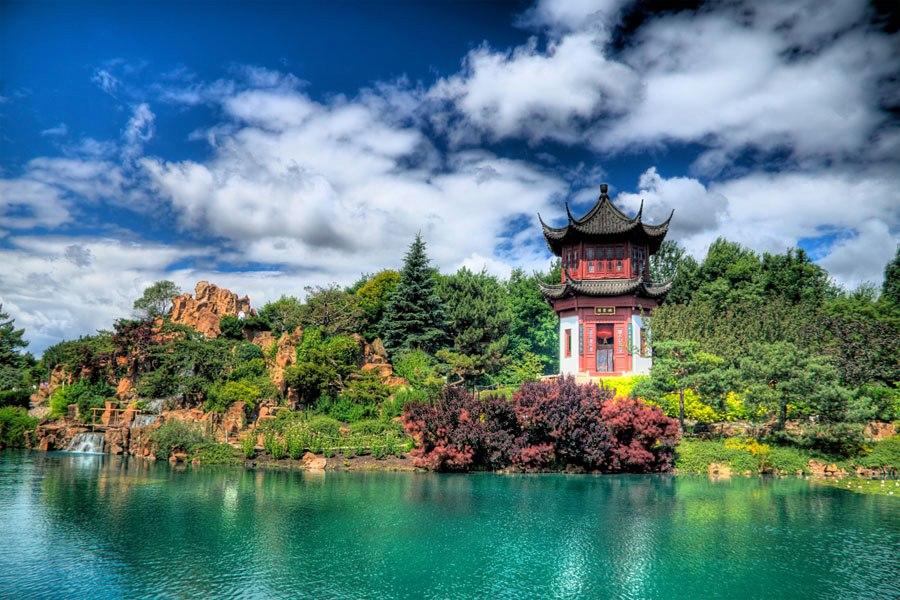 Botanical-Garden-Montreal-Canada Top 10 Best Cities in Canada to Work