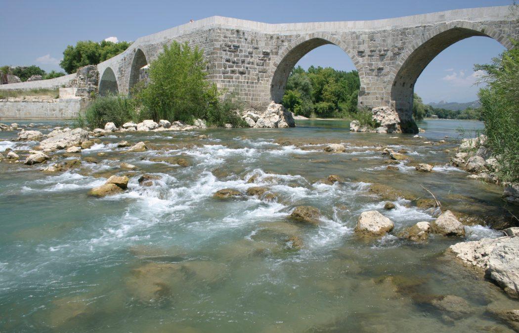 Eurymedon_Bridge_Aspendos_Turkey._Pic_01 Top 10 Most Ancient Ruins in Turkey