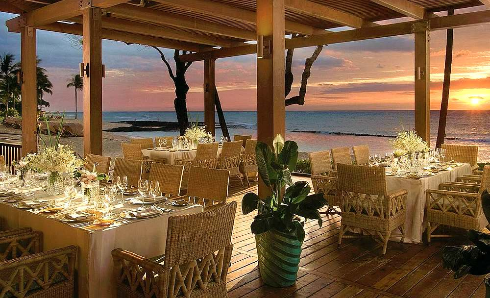Four-Seasons-Resort-Hualalai-at-Historic-Kaupulehu-outside-restaurant Top 10 Best Hotels in USA You Can Stay in