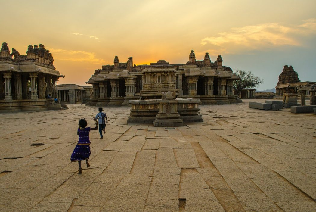 Hampi-The-Ruined-Canvas-Of-India's-Master-Stone-Sculptors_6 Top 10 Most Ancient India Artifacts Ever
