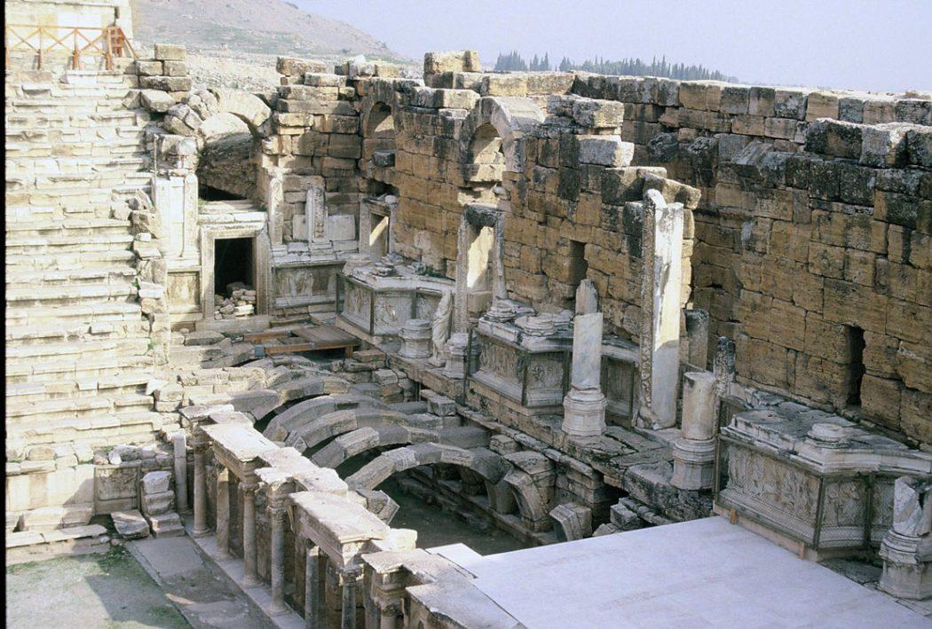 Hierapolis4B Top 10 Most Ancient Ruins in Turkey