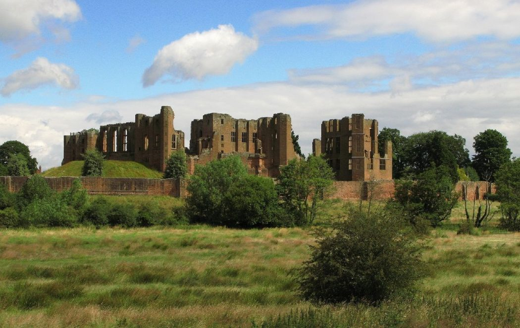 Kenilworth_Castle_2008 Top 10 Biggest Castles in History