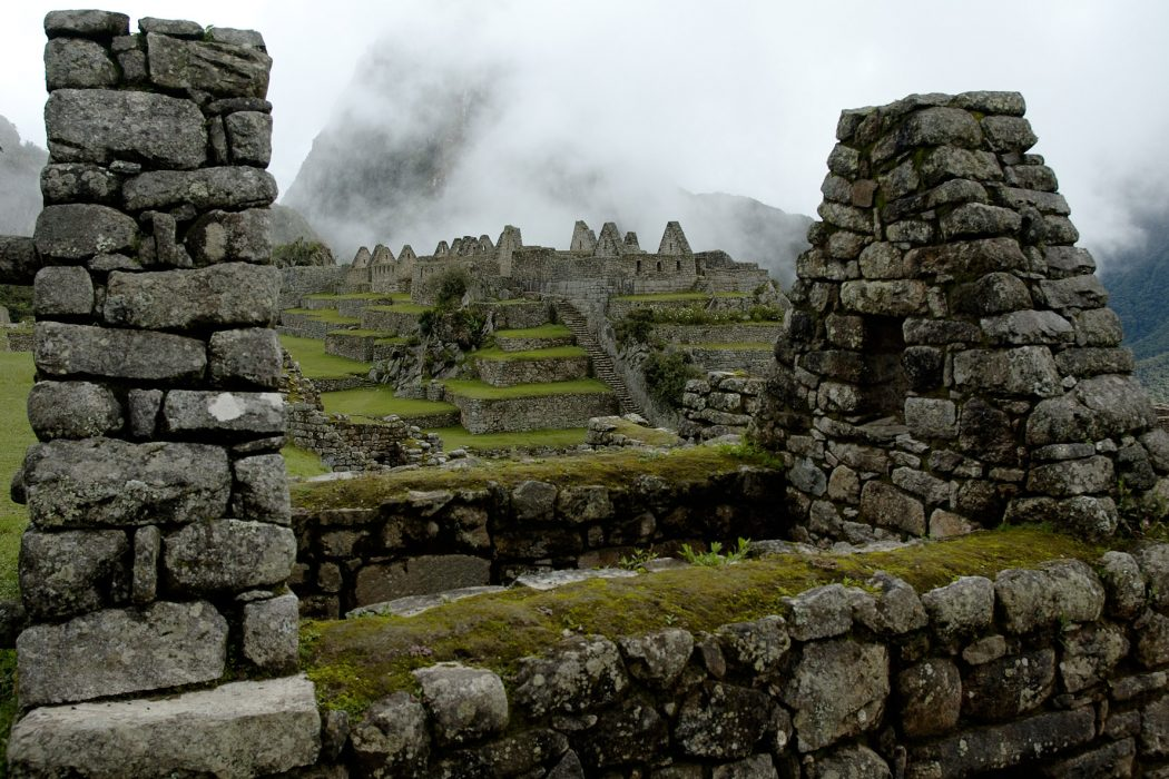 MachuPicchu_Residential_pixinn.net_ Top 10 Most Ancient Lost Cities in the World