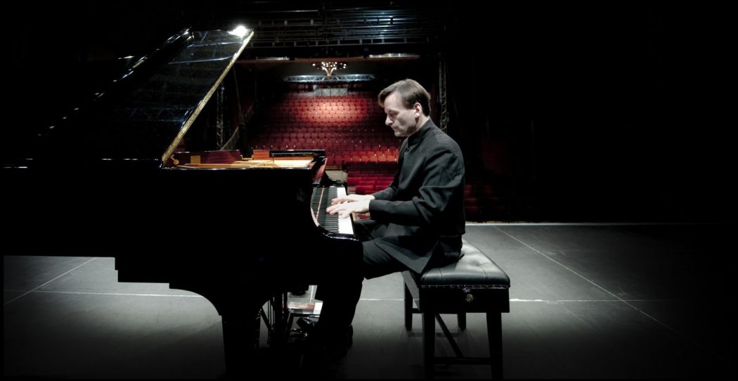 NZSO-Stephen-Hough Top 10 Best Pianists Alive