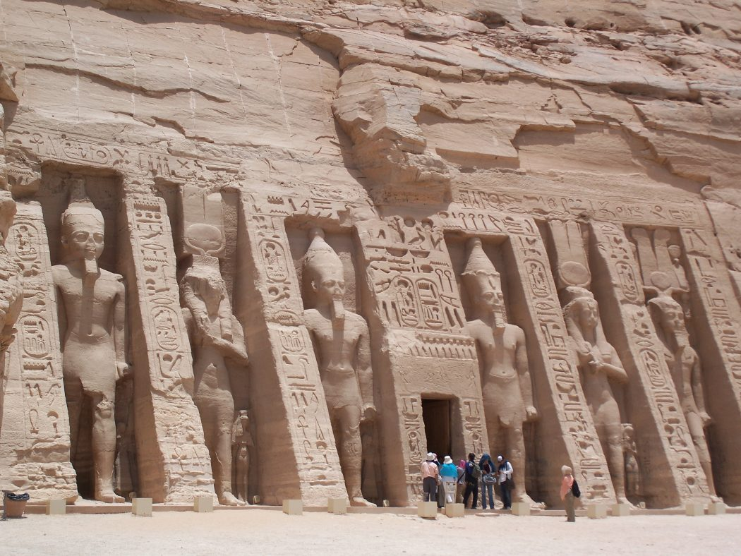 Nefertari_Temple_Abu_Simbel_May_30_2007 Top 10 Most Ancient Cities in Arabic Countries