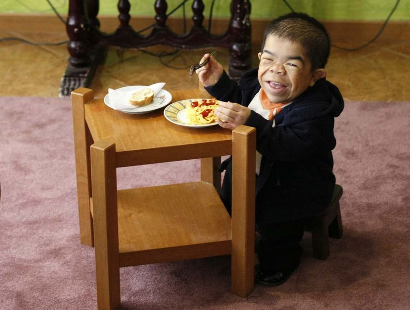 Nino_Hernandez_world_shortest_world_record2010 Top 10 Smallest Persons in the World