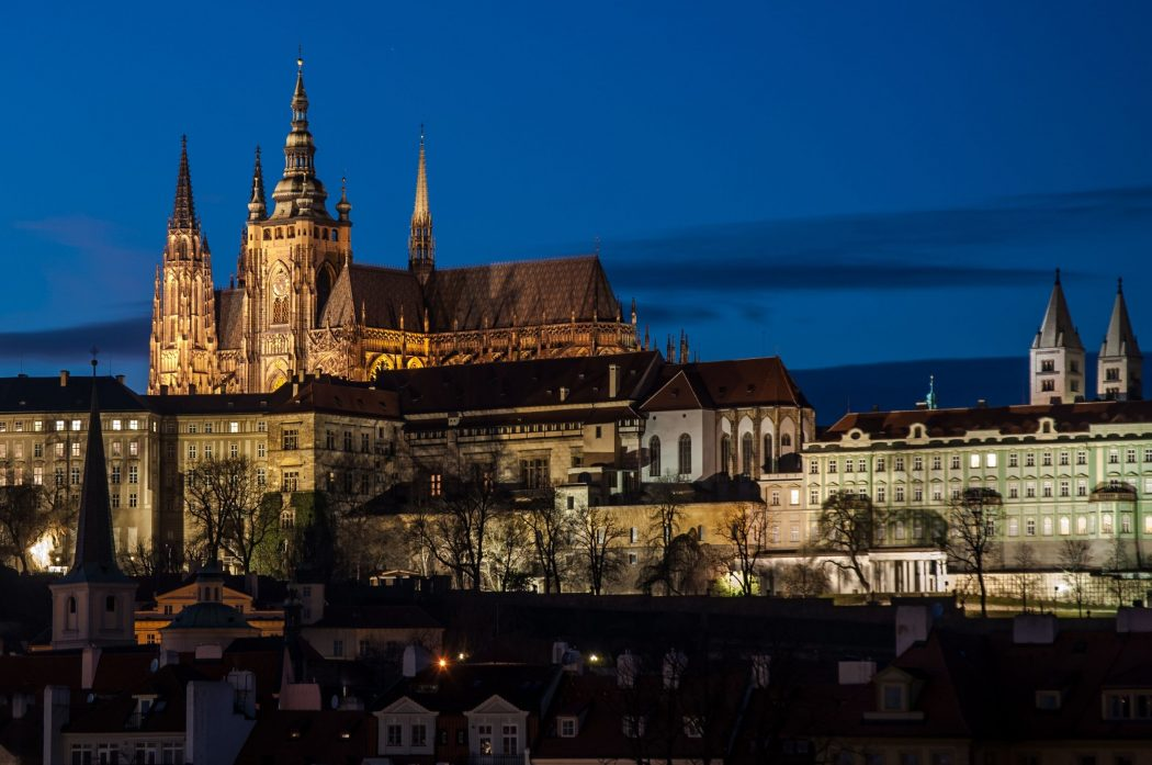 Prague-Castle-over-Vltava-river-Czech-Republic Top 10 Biggest Castles in History