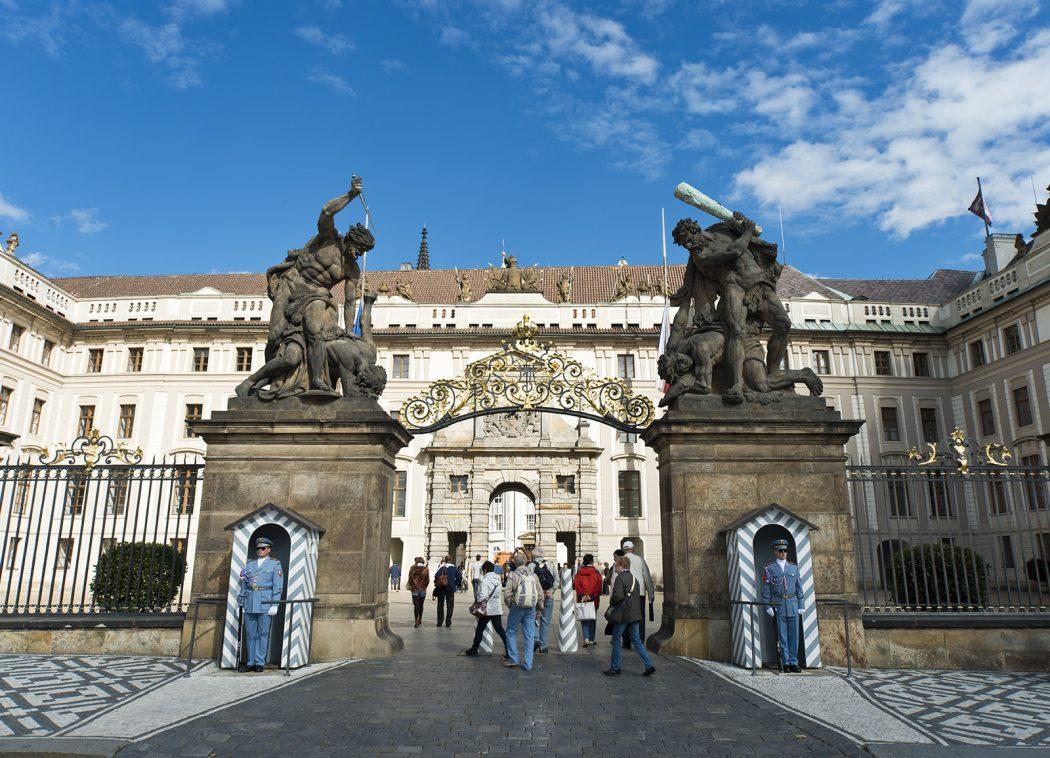 Prague_Castle_83479960811 Top 10 Biggest Castles in History