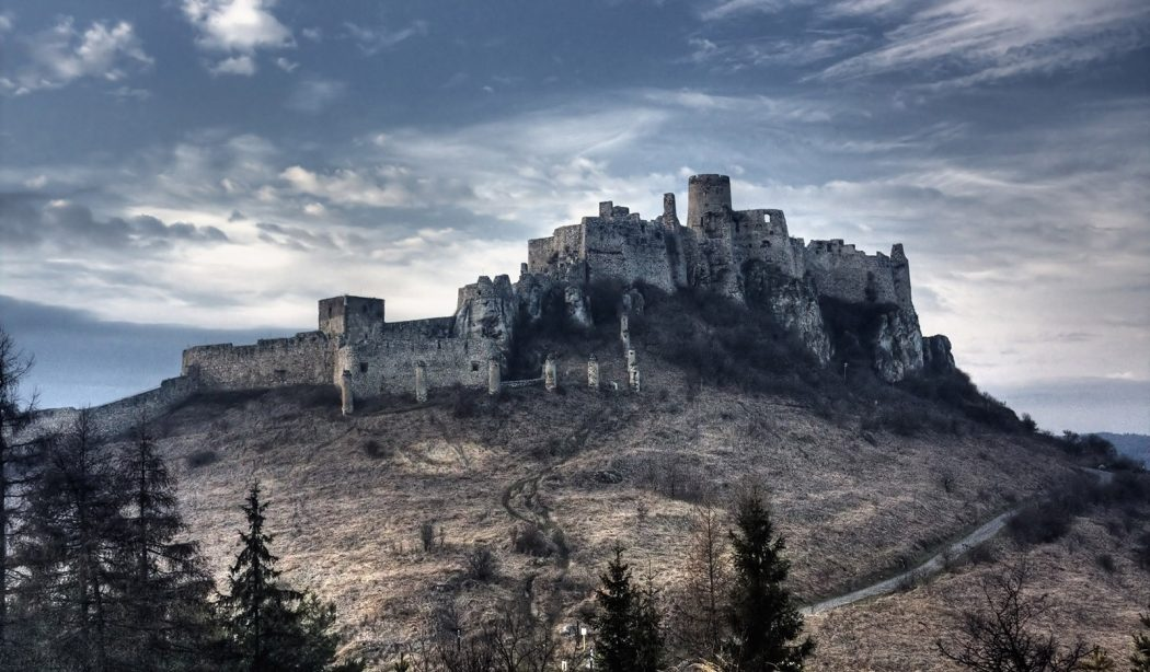Spis-Castle-Slovakia's-Most-Precious-Cultural-Insignia-_6 Top 10 Biggest Castles in History