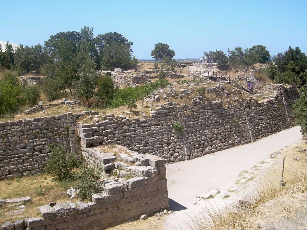 Walls_of_Troy_2 Top 10 Most Ancient Lost Cities in the World