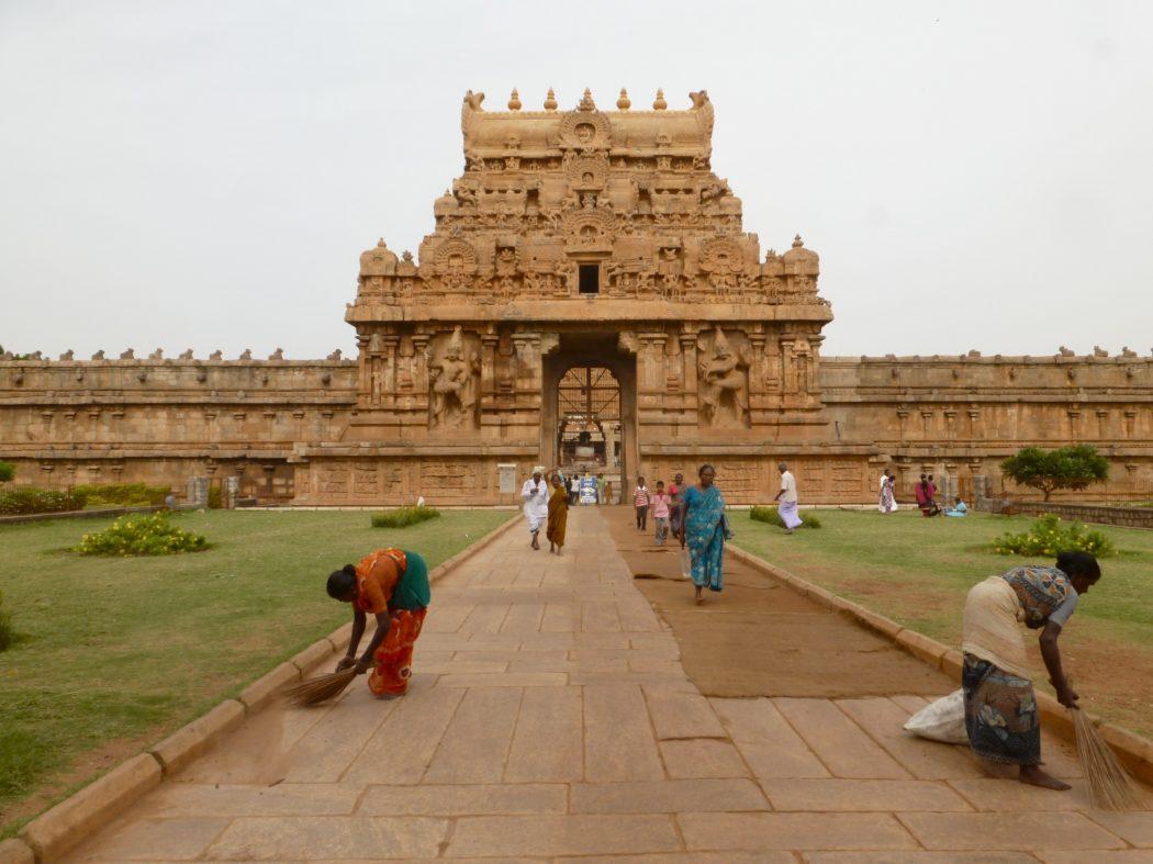 brihadeshwara_temple_images_868165576 Top 10 Most Ancient India Artifacts Ever