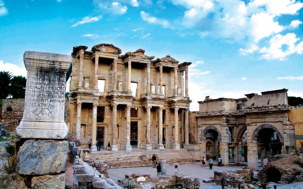 ephesus-day-trip-from-izmir Top 10 Most Ancient Ruins in Turkey