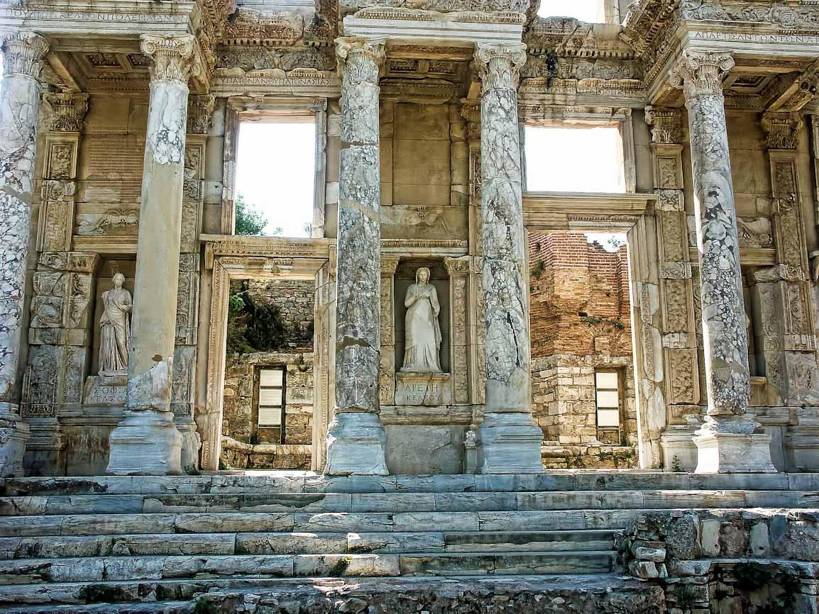 ephesus-ruins-43 Top 10 Most Ancient Ruins in Turkey