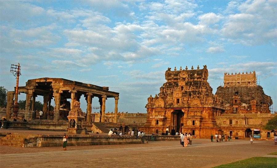free_download_brihadeshwara_temple_6370400041 Top 10 Most Ancient India Artifacts Ever