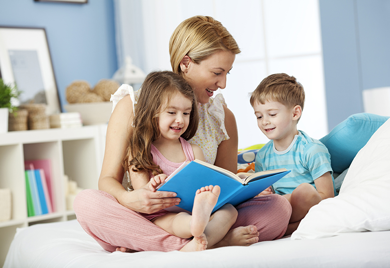 mom-reading-with-children Top 10 Ways to Motivate Your Child to Love Reading