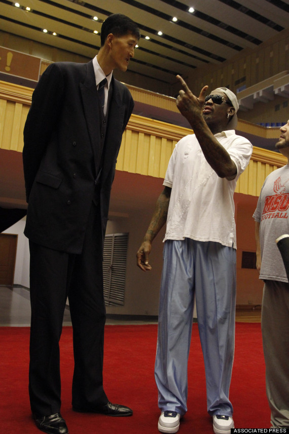o-DENNIS-RODMAN-RI-MYUNG-HUN-570 Top 10 Tallest Persons of the World