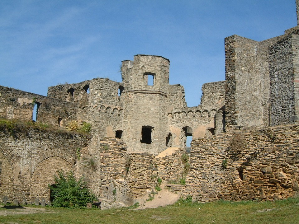 rheinfels81 Top 10 Biggest Castles in History