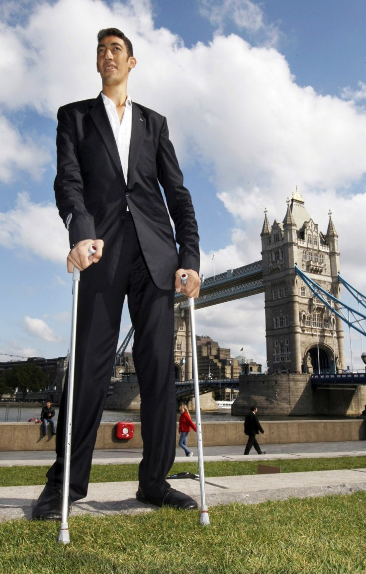 sultan-kosen-worlds-tallest-man Top 10 Tallest Persons of the World