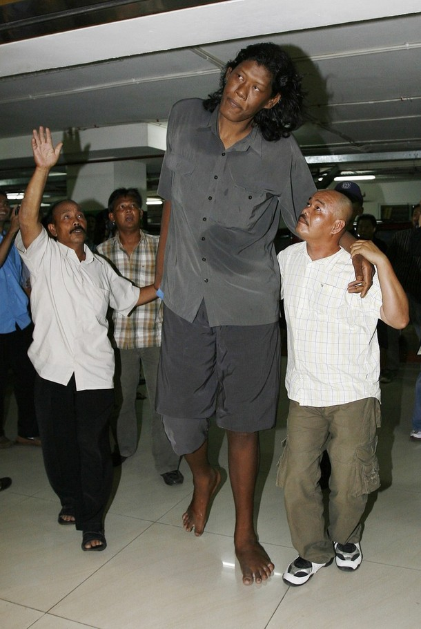 suparwono-10 Top 10 Tallest Persons of the World